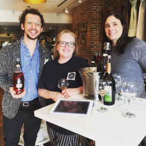 Vickie with Stefano Marangon of Bisol Prosecco and Franceen Khang of Vias Wines. Here's they're trying out a Cuvée Rose Brut.