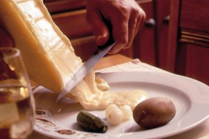 Raclette has an inviting, aromatic scent. Like Gruyère, it does not separate when melted.